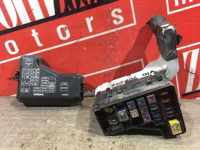 Блок реле и предохранителей Nissan Tino V10 QG18DE 1998 передний