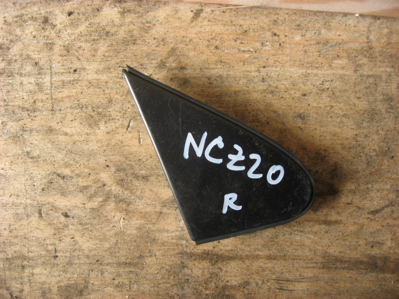 Накладка на зеркало Toyota Raum NCZ20 правая