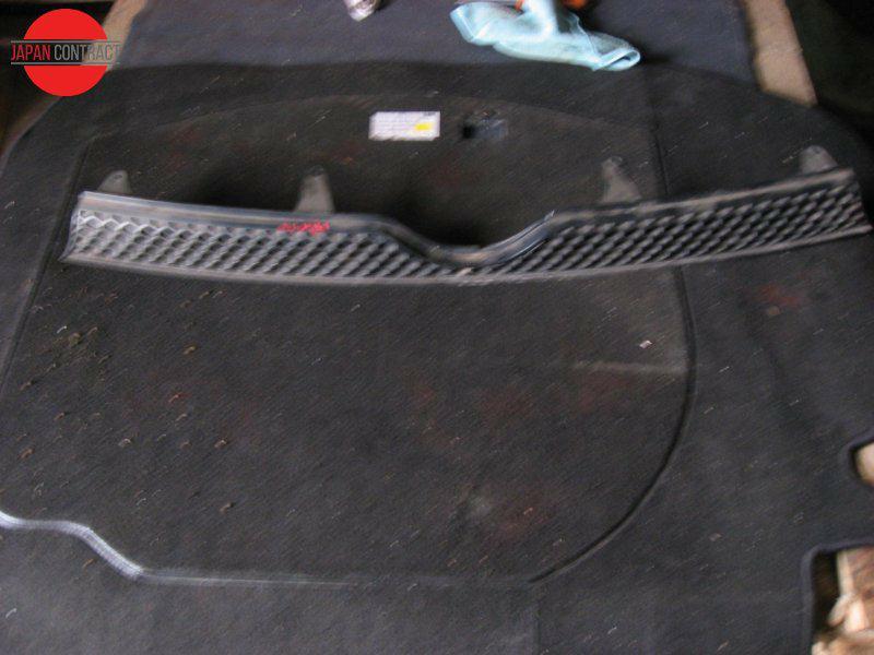 Решетка радиатора Toyota Sienta NCP81G