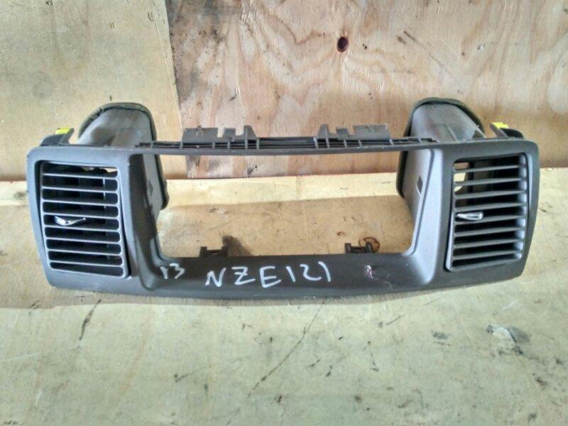 Рамка магнитофона Toyota Corolla Fielder NZE121 1NZ-FE 2002