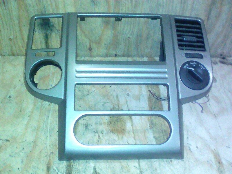 Рамка магнитофона Nissan X-Trail NT30 QR20DE 2004