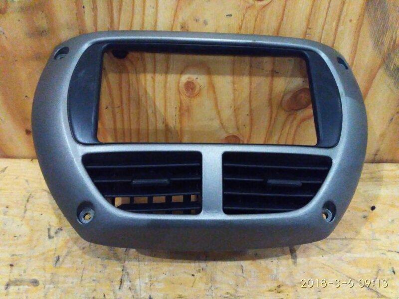 Рамка магнитофона Toyota Rav4 ACA21W 1AZ-FSE 2001