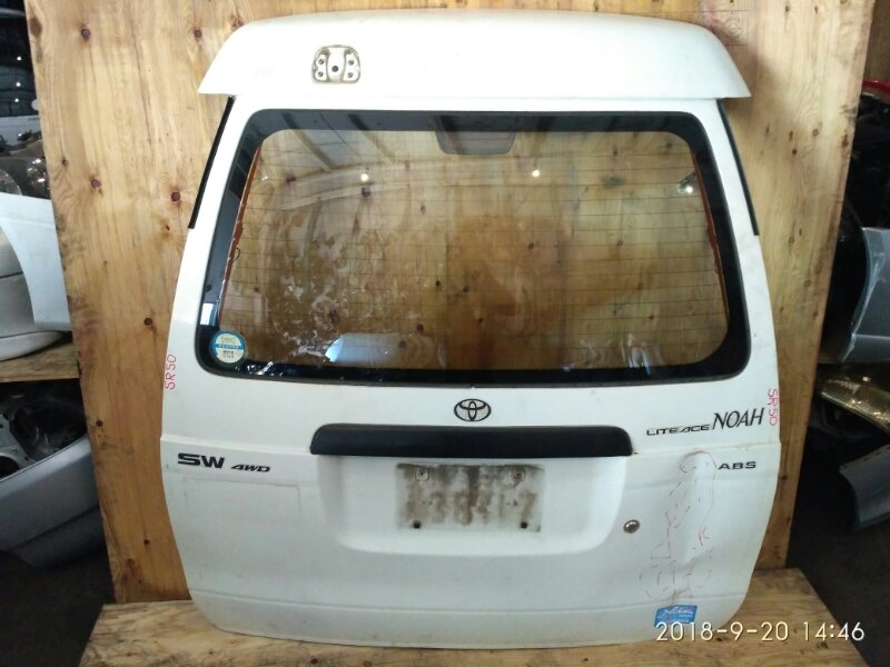 Дверь задняя багажника Toyota Liteace Noah SR50G 3S-FE 1998
