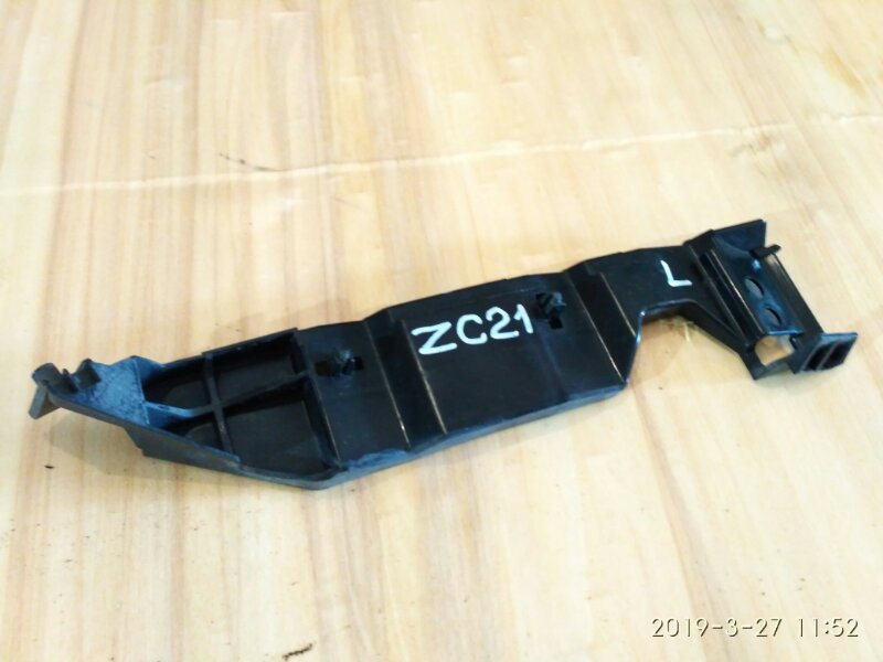 Клипса бампера Suzuki Swift ZC21S M15A 2005 передняя левая