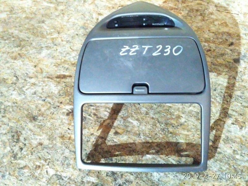Рамка магнитофона Toyota Celica ZZT230 1ZZ-FE 2005