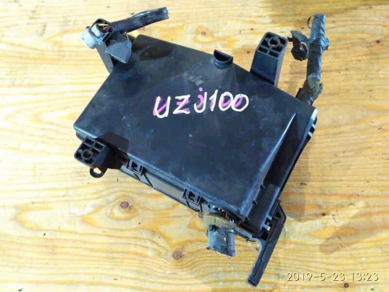 Блок реле и предохранителей Toyota Land Cruiser UZJ100W 2UZ-FE 2001