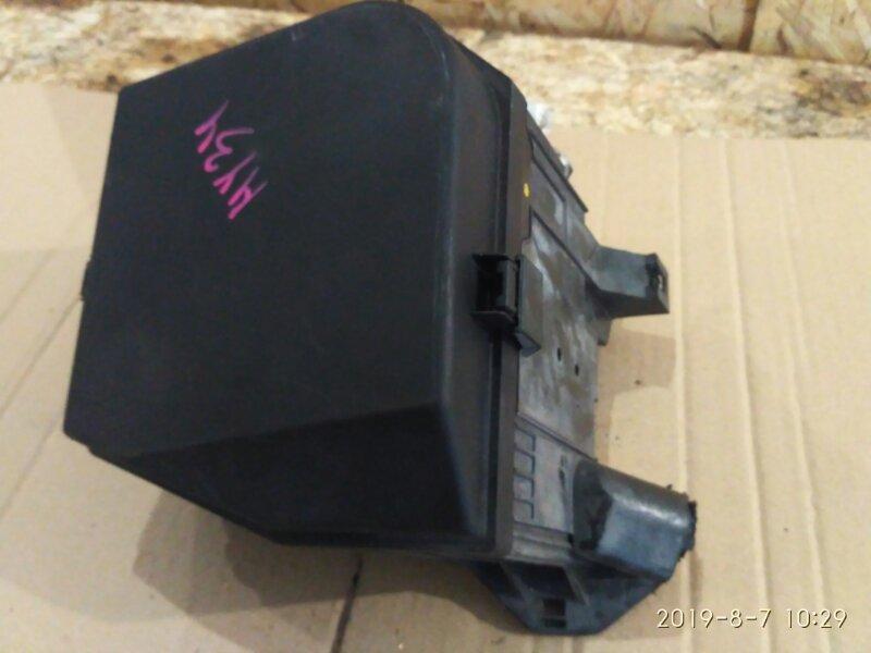 Блок реле и предохранителей Nissan Gloria HY34 VQ30DET 2004