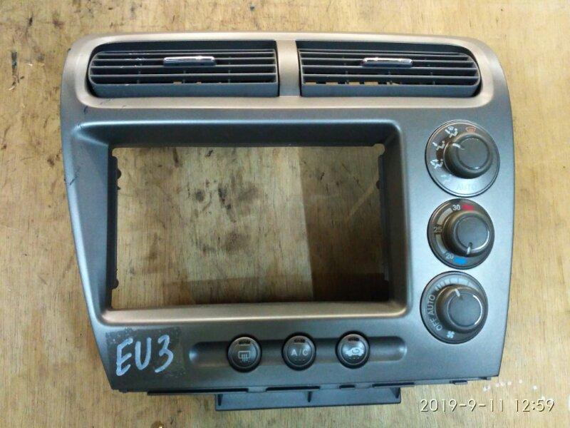 Рамка магнитофона Honda Civic EU3 D17A 2004