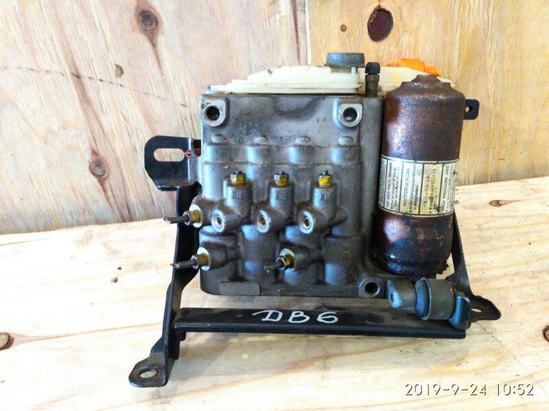 Блок abs Honda Integra DB6 ZC 2000