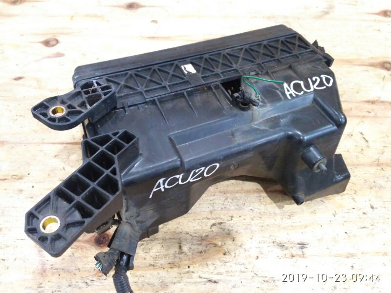 Блок реле и предохранителей Toyota Kluger ACU20W 2AZ-FE 2001