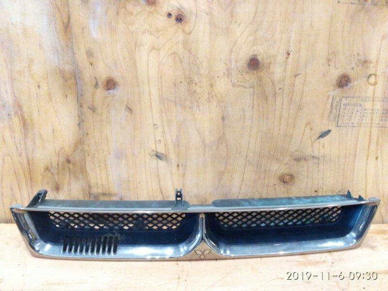 Решетка радиатора Mitsubishi Galant EA1A 4G93 1996