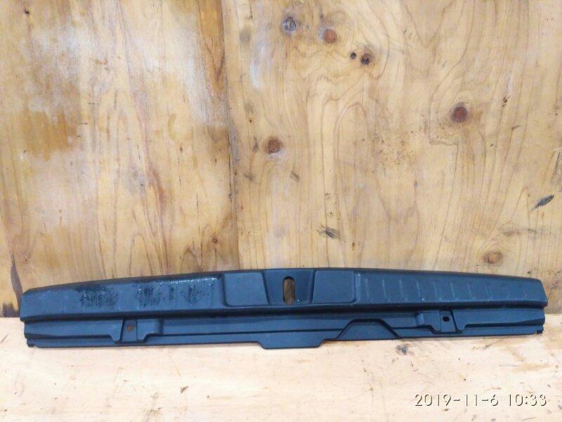 Накладка багажника Honda Hr-V GH3 D16A 2002