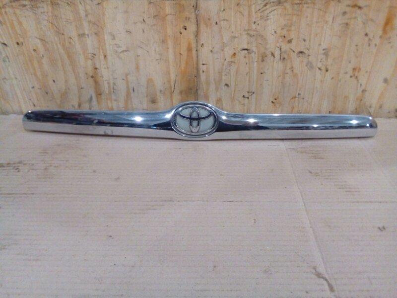 Накладка багажника Toyota Mark Ii GX110 1G-FE 2002