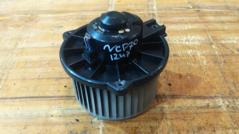 Вентилятор печки Toyota Will Cypha NCP70 2NZ-FE 2003