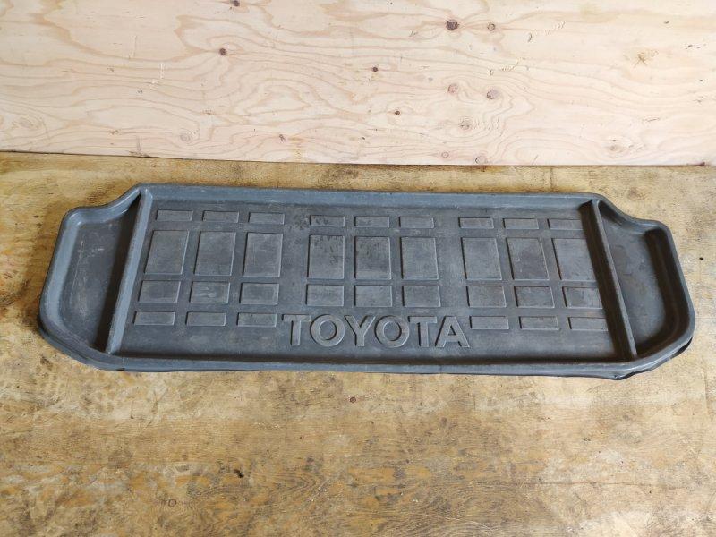 Коврик Toyota Noah SR50