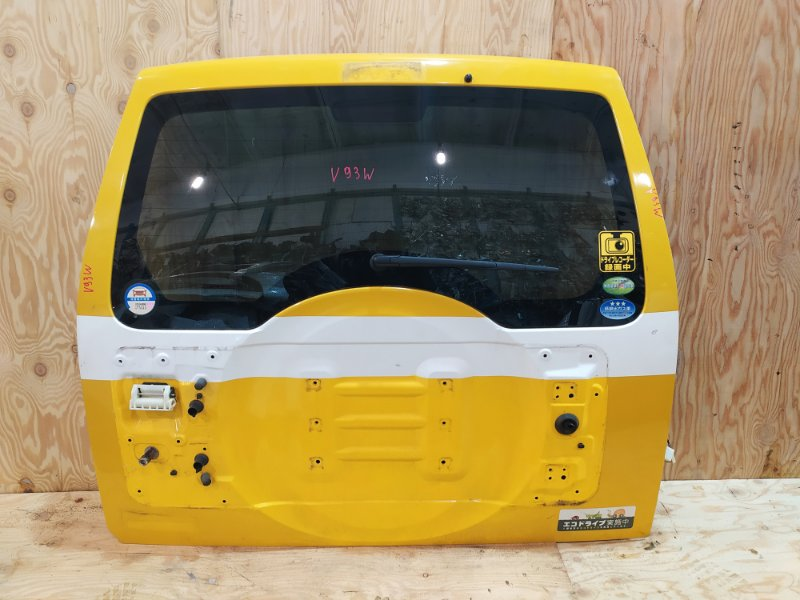 Дверь задняя багажника Mitsubishi Pajero V93W