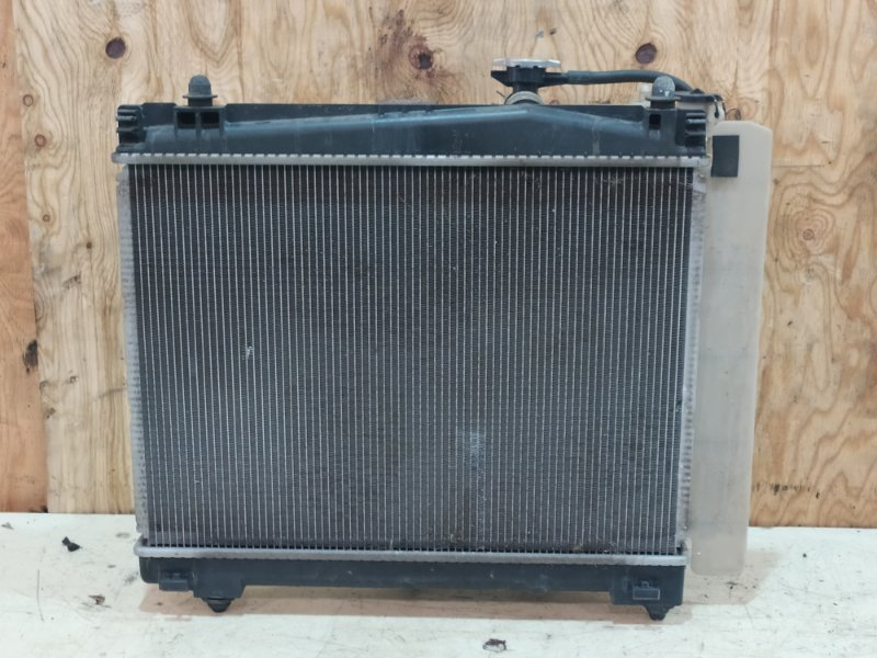 Радиатор двигателя Toyota Belta SCP92 2SZ-FE 2009