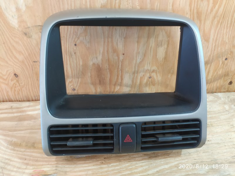 Рамка магнитофона Honda Cr-V RD5 K20A 2005
