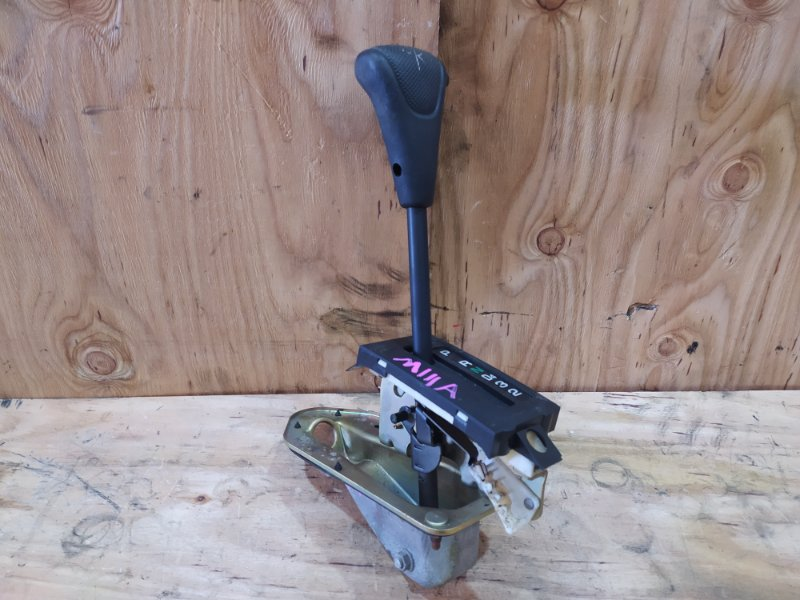 Рычаг переключения кпп Toyota Duet M111A K3-VE 2001