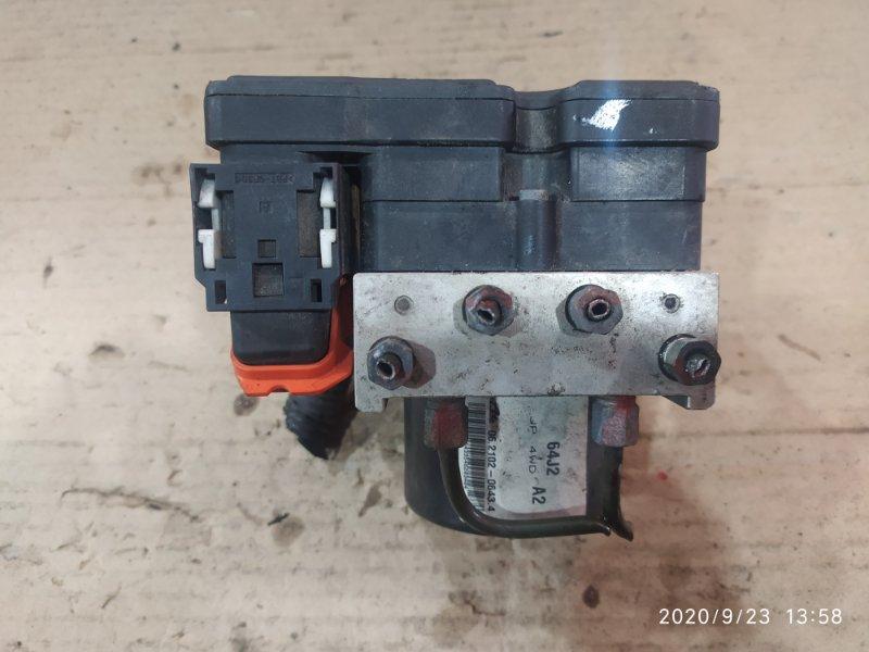 Блок abs Suzuki Escudo TD54W J20A 2007