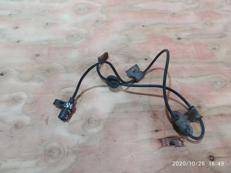 Датчик abs Subaru Forester SG5 EJ20 2003 передний правый