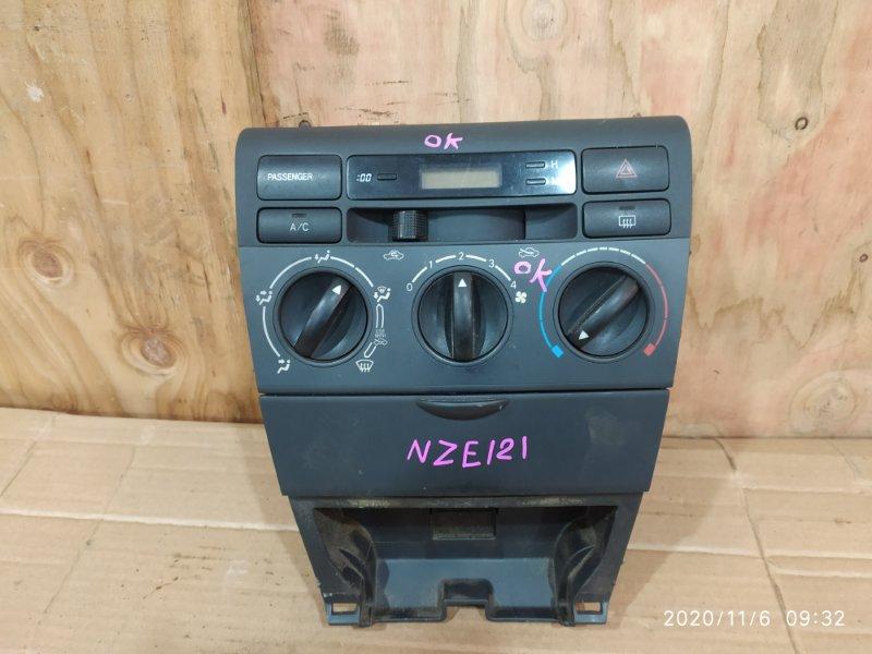 Блок управления климат-контролем Toyota Corolla Fielder NZE121 1NZ-FE 2002