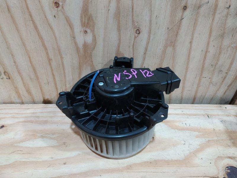 Вентилятор печки Toyota Ractis NSP120 1NR-FE 2012