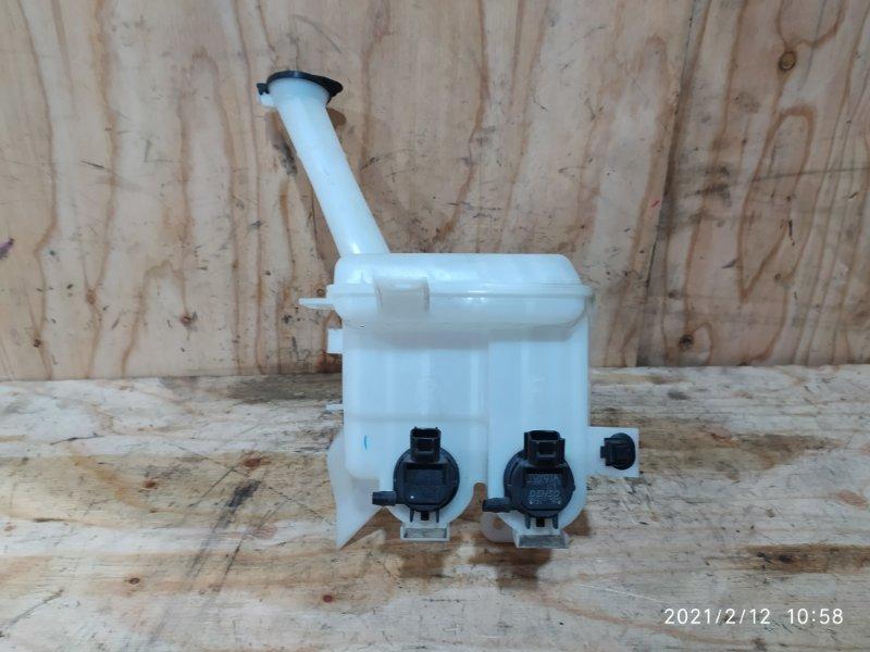 Бачок омывателя Toyota Ractis NSP120 1NR-FE 2012