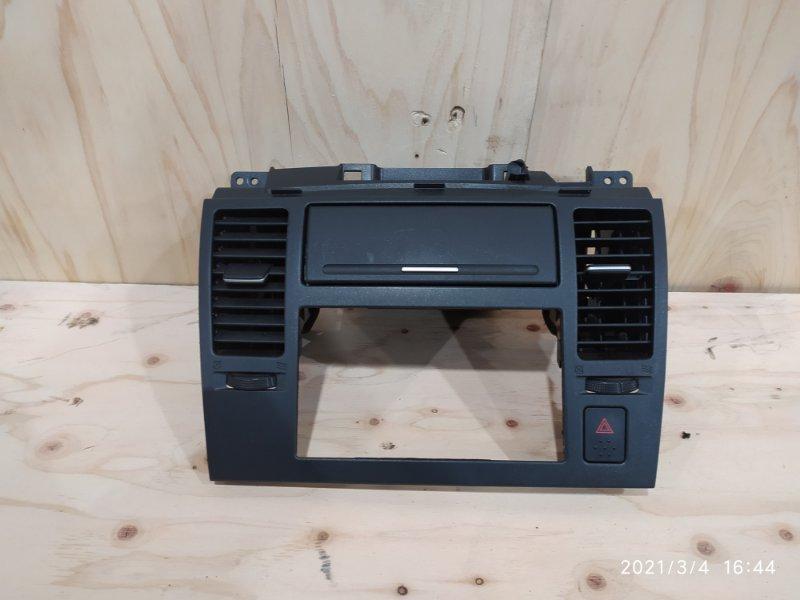 Рамка магнитофона Nissan Tiida Latio SC11 HR15DE 2007