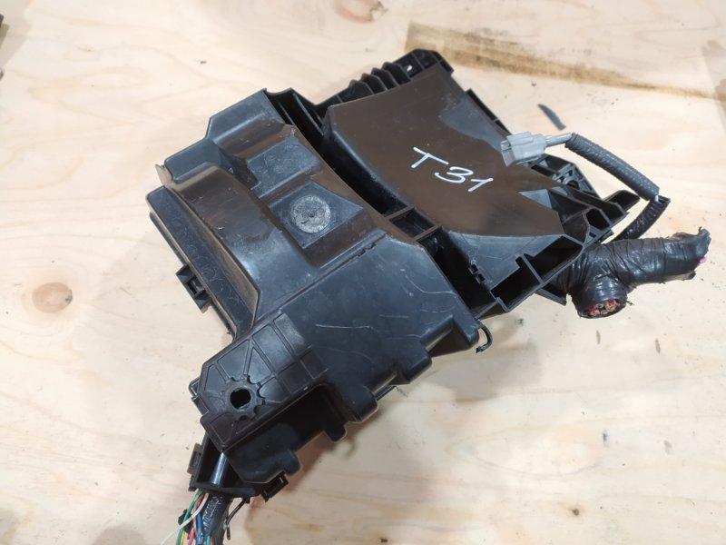Блок реле и предохранителей Nissan X-Trail T31 MR20DE 2007