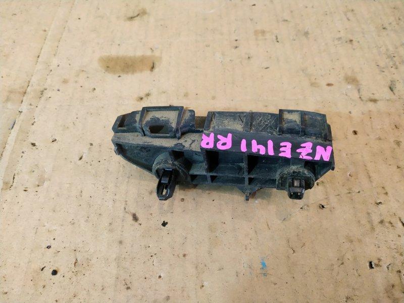 Клипса бампера Toyota Corolla Fielder NZE141G 1NZ-FE 2007 задняя правая