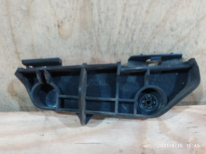 Клипса бампера Toyota Corolla Fielder NZE144 1NZ-FE 2007 задняя правая
