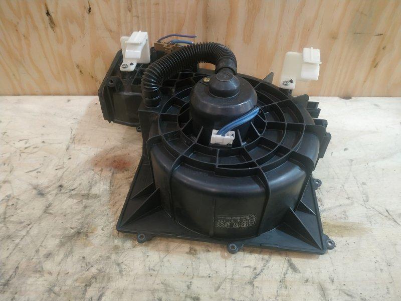Вентилятор печки Nissan Tino V10 QG18DE 2000