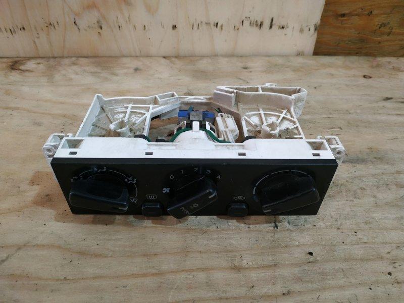 Блок управления климат-контролем Mitsubishi Pajero Io H76W 4G93 1999