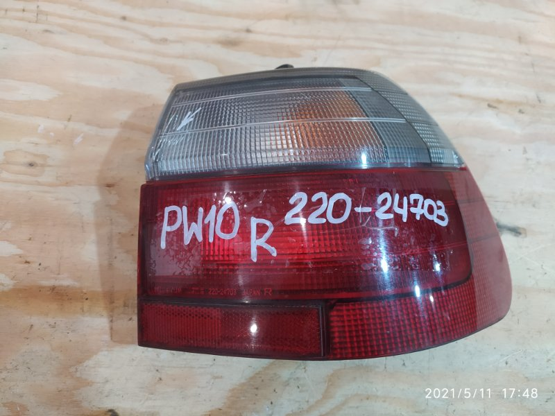 Фонарь стоп-сигнала Nissan Avenir PW10 SR20DE 1997 правый