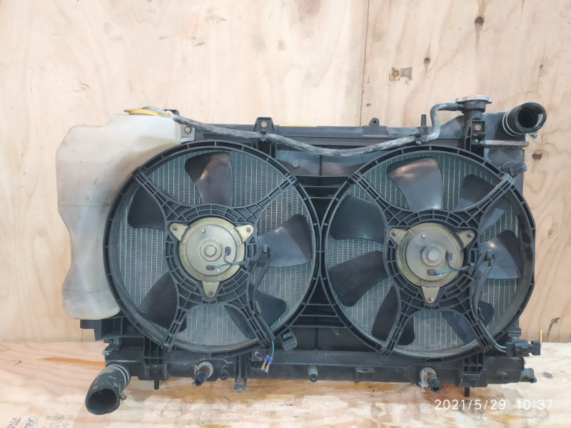 Радиатор двигателя Subaru Forester SG5 EJ20 2002