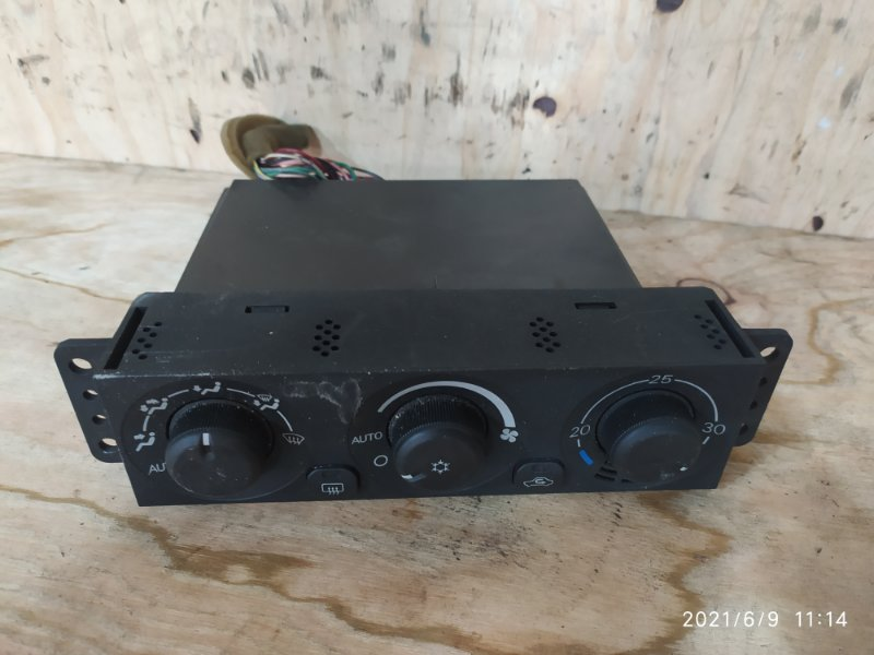 Блок управления климат-контролем Mitsubishi Pajero Io H76W 4G93 2003