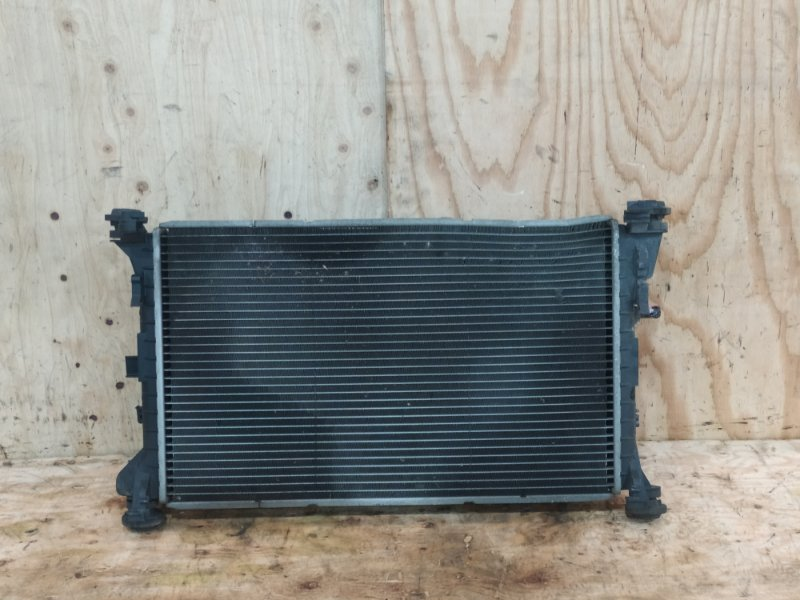 Радиатор двигателя Ford Focus FYDA 2000