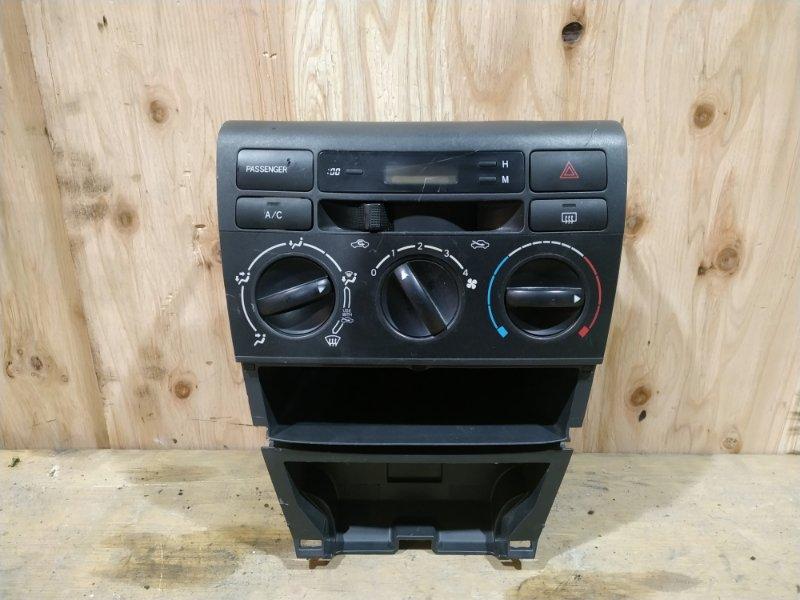 Блок управления климат-контролем Toyota Corolla Fielder NZE121 1NZ-FE 2000