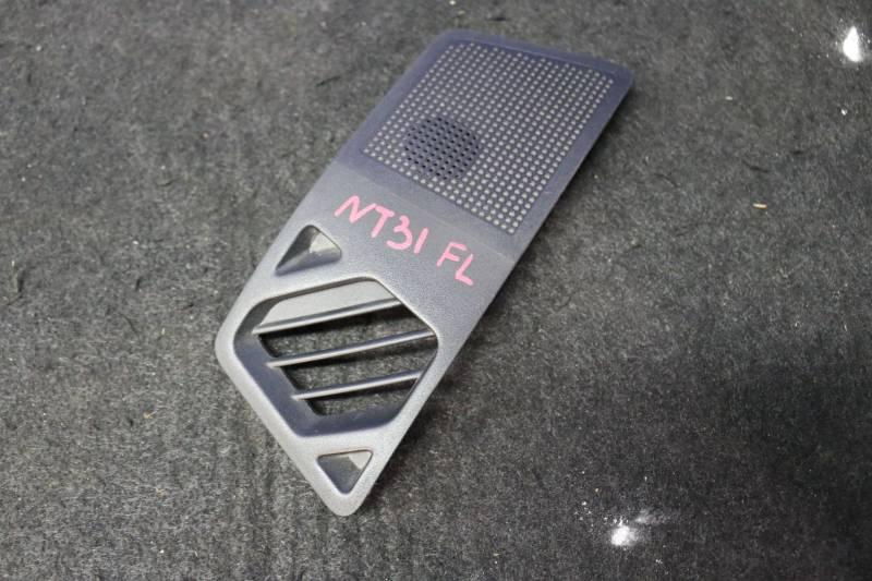 Решетка вентиляционная Nissan X-Trail NT31 MR20 2011 передняя левая (б/у)