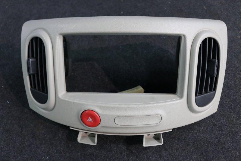 Рамка магнитолы Nissan Cube Z12 HR15 2009 (б/у)