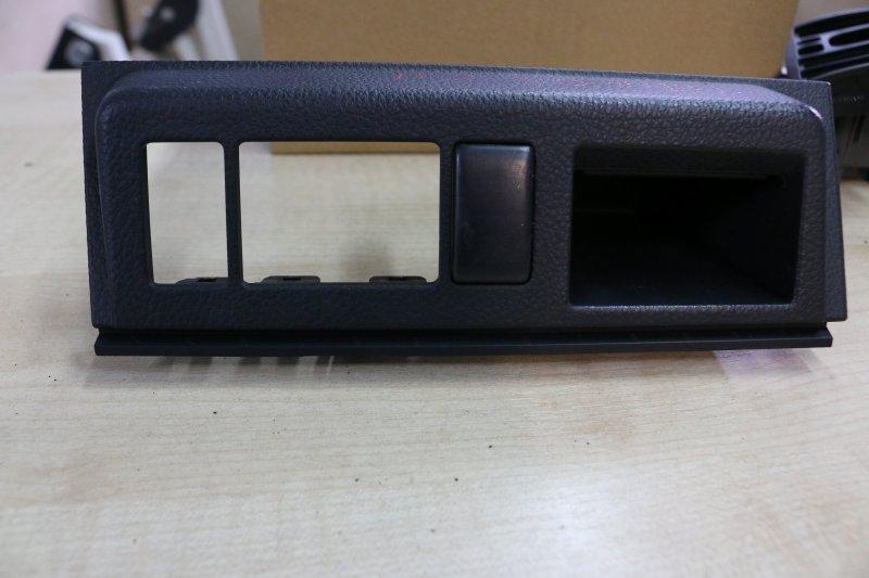 Консоль салона Nissan Tiida C11 HR15 2007 (б/у)