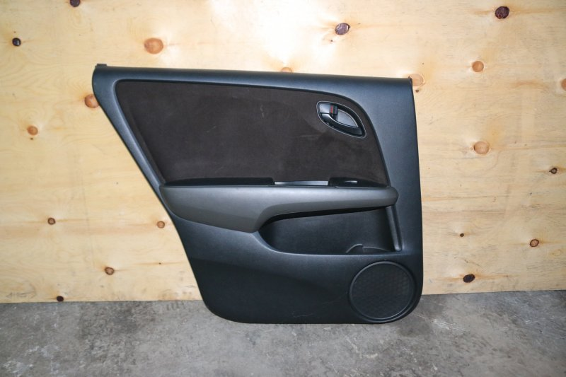 Обшивка двери Honda Stream RN6 R18A 2007 задняя левая (б/у)