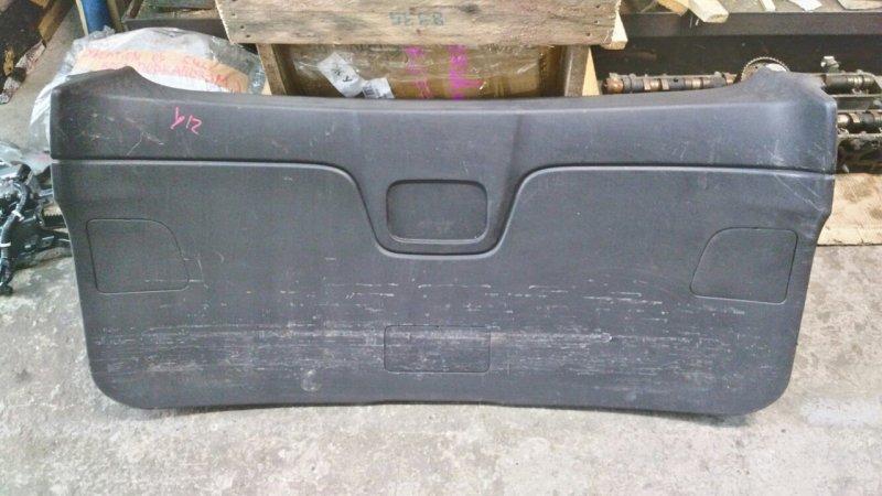Обшивка двери багажника Nissan Wingroad Y12 HR15 2007 (б/у)