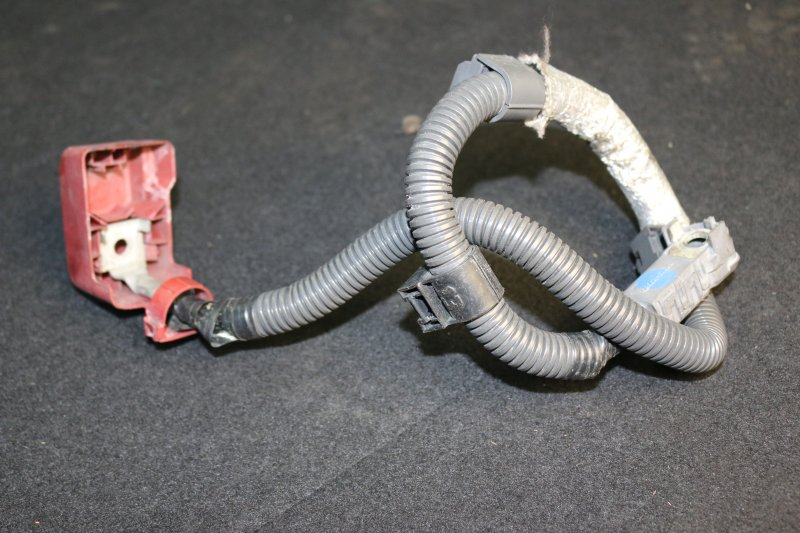 Провод аккумулятора Toyota Wish ZNE10 1ZZ 2003 (б/у)