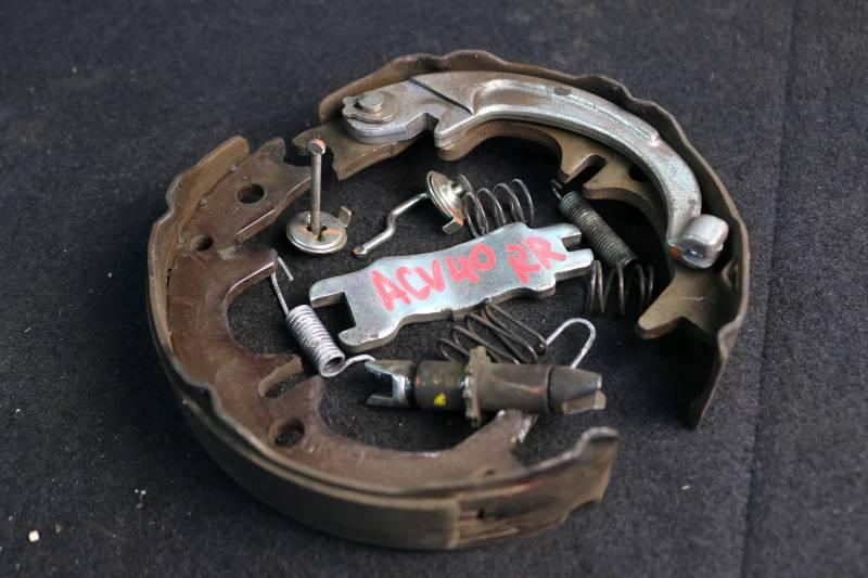 Рабочая тормозная система Toyota Camry ACV40 2AZ 2006 задняя правая (б/у)