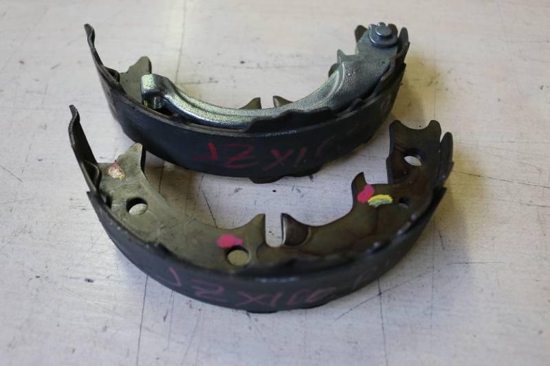 Колодки тормозные Toyota Mark Ii JZX100 задние правые Комплект на одно колесо (б/у)