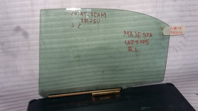 Стекло боковое Toyota Crown Majesta UZS175 1UZ 2003 заднее левое (б/у)
