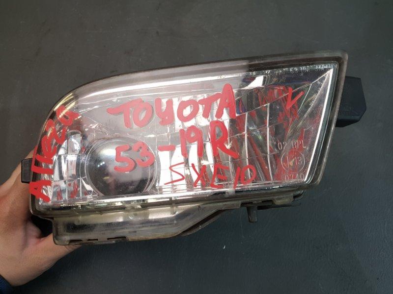 Фара противотуманная Toyota Altezza SXE10 3S правая 53-19 Дефект корпуса смотрите фото. (б/у)
