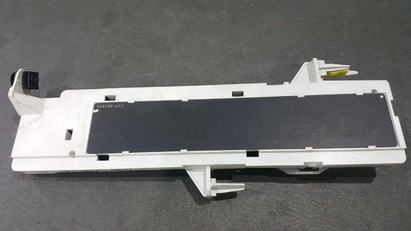 Панель приборов Toyota Raum NCZ20 1NZ 2003 Информационное табло (б/у)